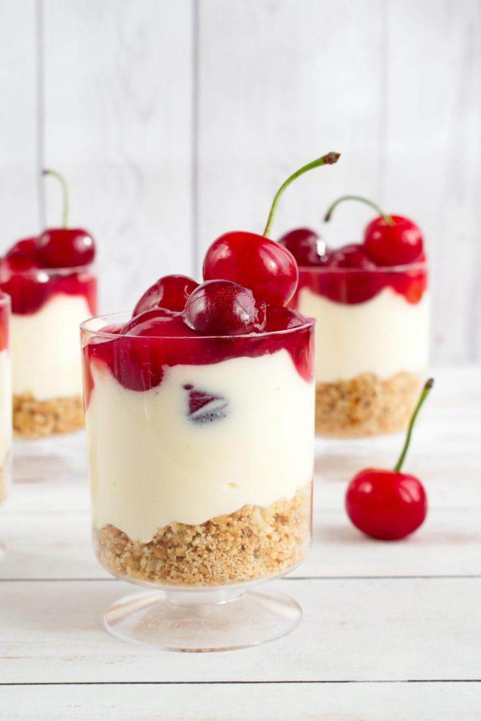 No Bake Cherry Cheesecake recipe - Mini No Bake Cherry Cheesecake - Easy Cherry Cheesecake