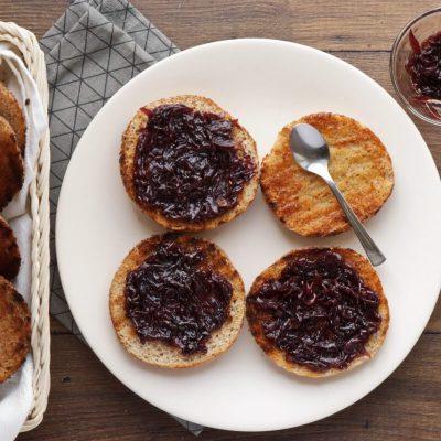 Pork & Apple Burgers recipe - step 4