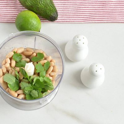Quick and Easy Green Chicken Chili recipe - step 4