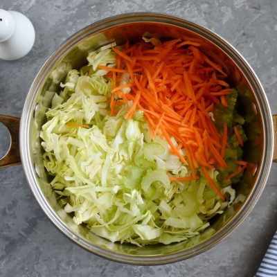 Shchi (Traditional Russian Cabbage Soup) recipe - step 2