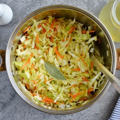 Shchi (Traditional Russian Cabbage Soup) recipe - step 3