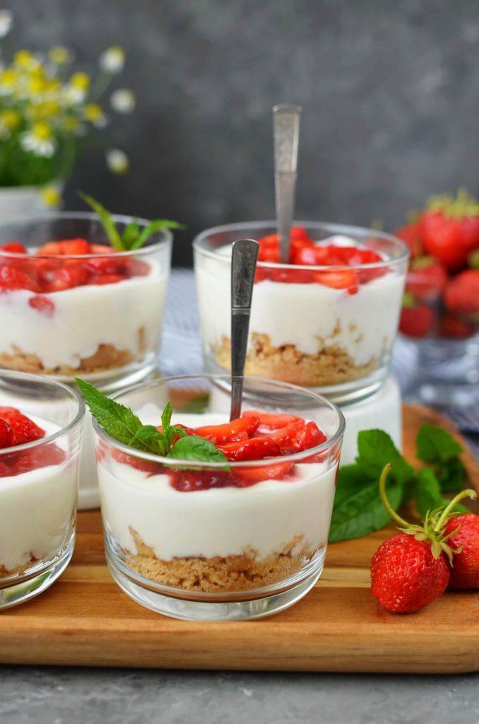 Strawberry cheesecakes Recipe-How To Make Strawberry cheesecakes-Homemade Strawberry cheesecakes