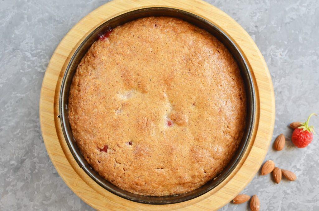 Strawberry & Almond Torte recipe - step 6