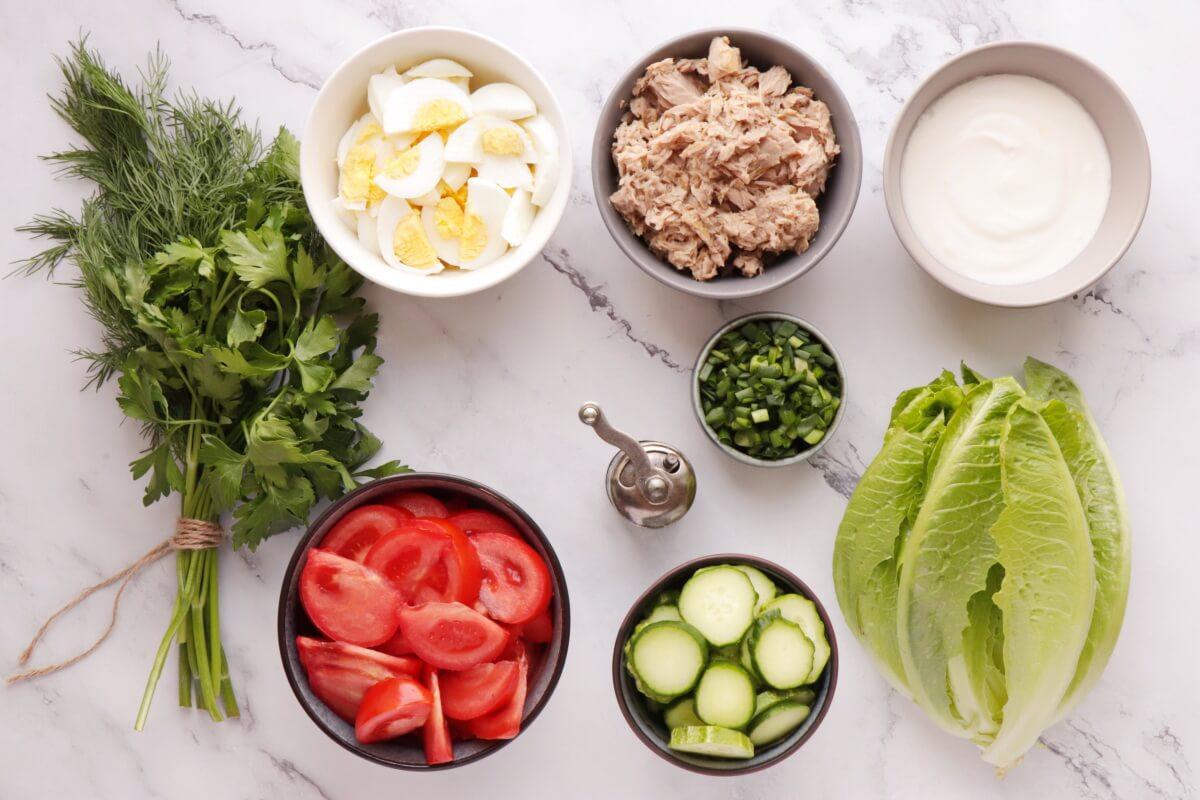 Ingridiens for Healthy Tuna Cobb Salad