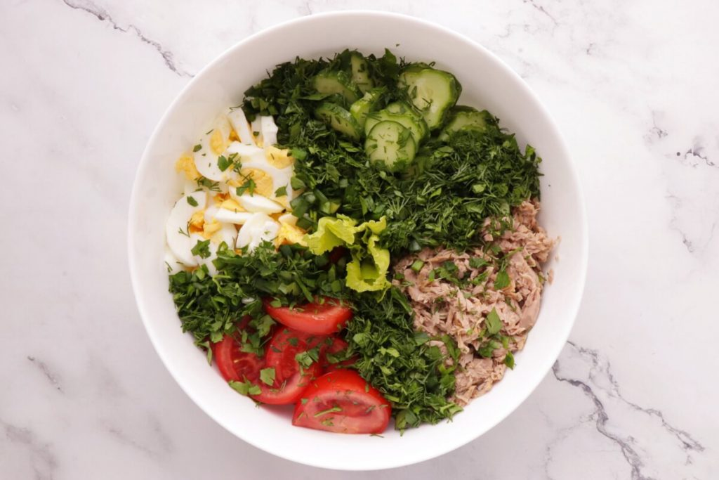 Healthy Tuna Cobb Salad recipe - step 2