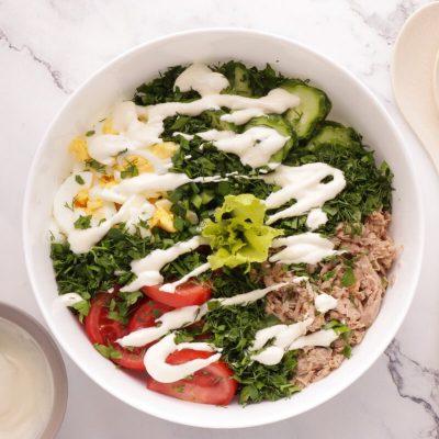 Healthy Tuna Cobb Salad recipe - step 3