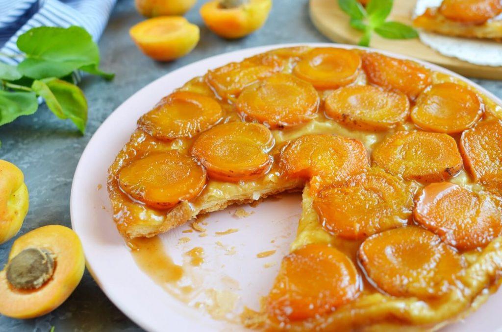 How to serve Apricot Tarte Tatin