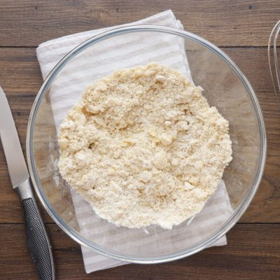 Apricot-Thyme Galette recipe - step 3
