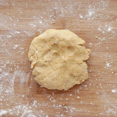 Apricot-Thyme Galette recipe - step 5