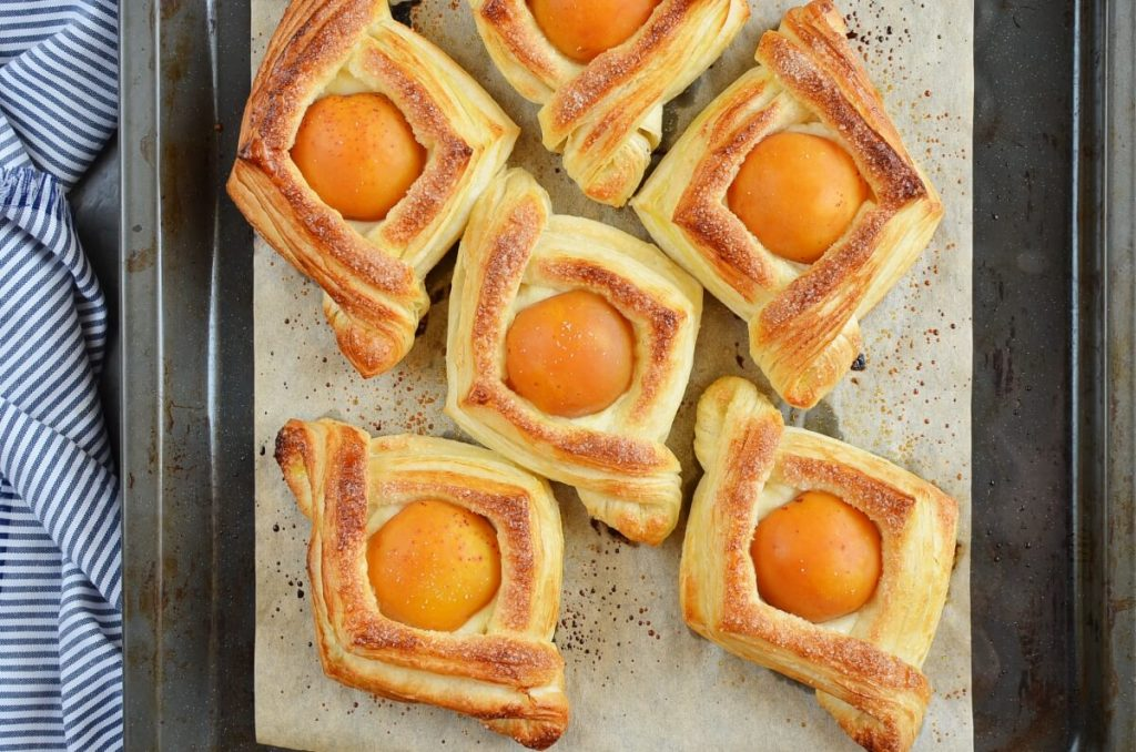 Apricot and Cream Cheese Pastry recipe - step 6