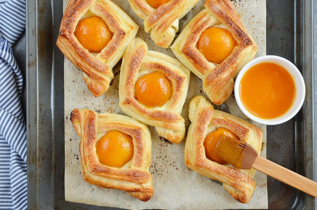 Apricot and Cream Cheese Pastry recipe - step 8
