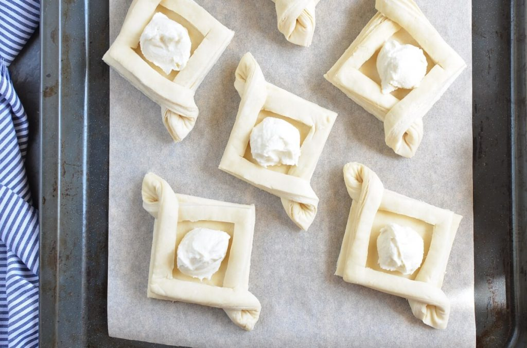 Apricot and Cream Cheese Pastry recipe - step 4