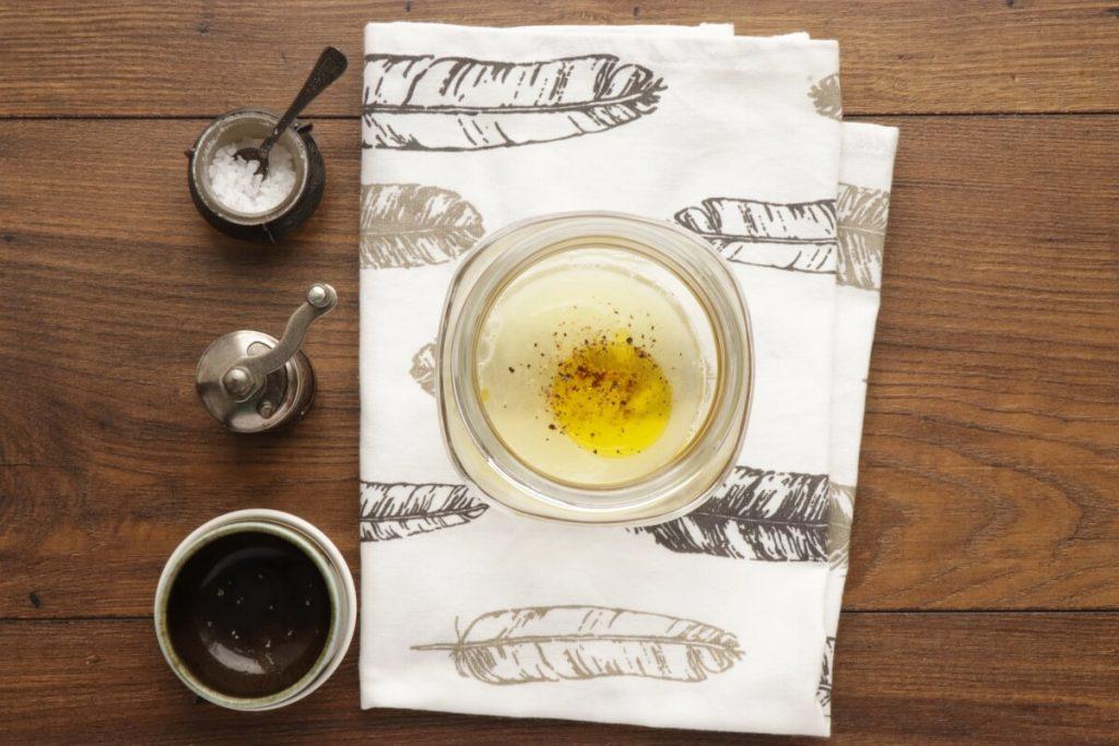 Arugula & Tuna Jar Salad recipe - step 1