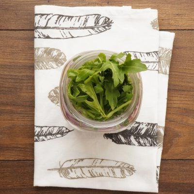 Arugula & Tuna Jar Salad recipe - step 2