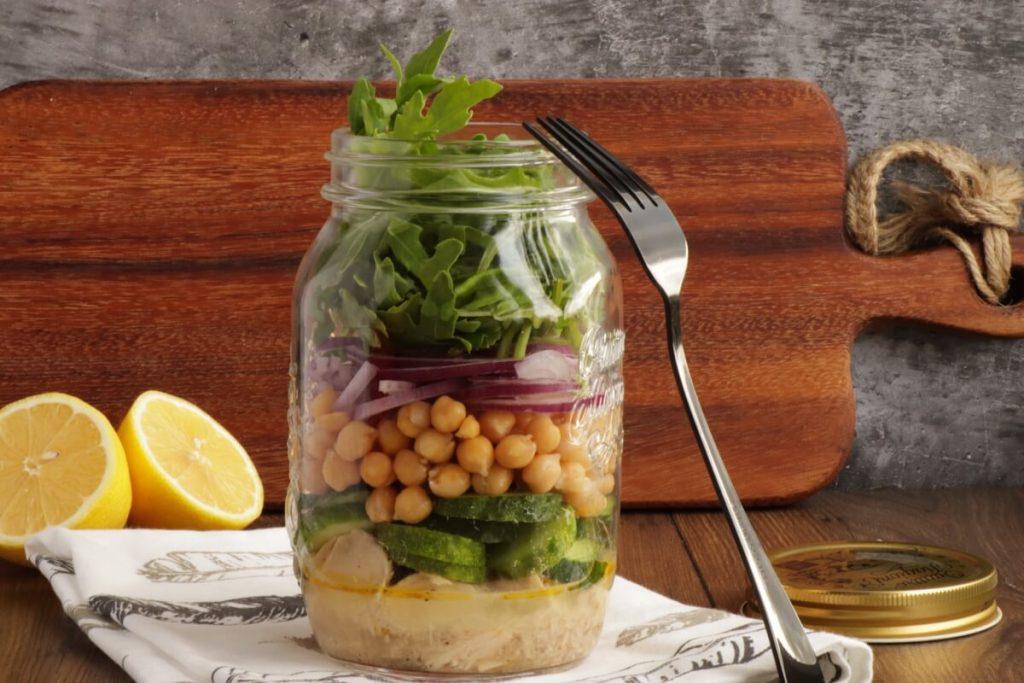 How to serve Arugula & Tuna Jar Salad