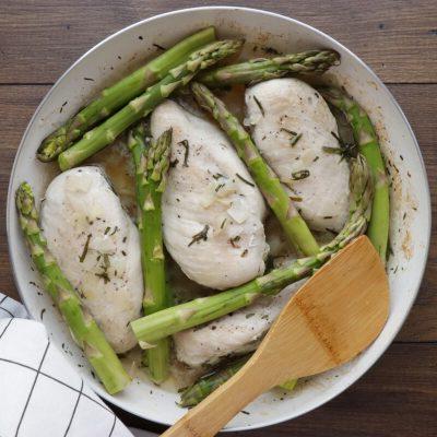 Creamy Chicken with Asparagus & Tarragon recipe - step 4