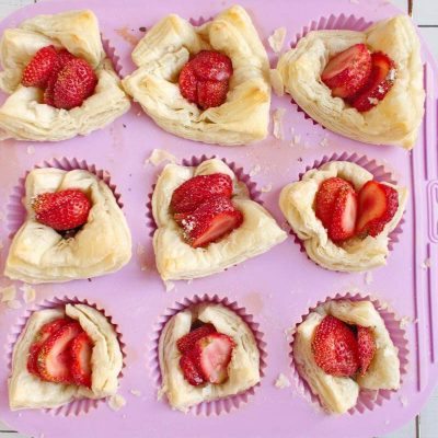 Easy Puff Pastry Strawberry Tarts recipe - step 7