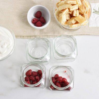 Easy Raspberry Shortcake in a Jar recipe - step 1