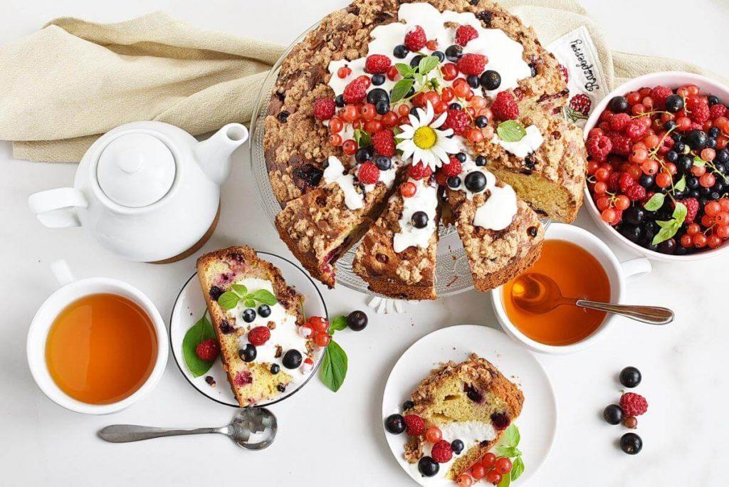 Greek Yoghurt Berry Breakfast Cake Recipe–Homemade Greek Yoghurt Berry Breakfast Cake–Easy Greek Yoghurt Berry Breakfast Cake