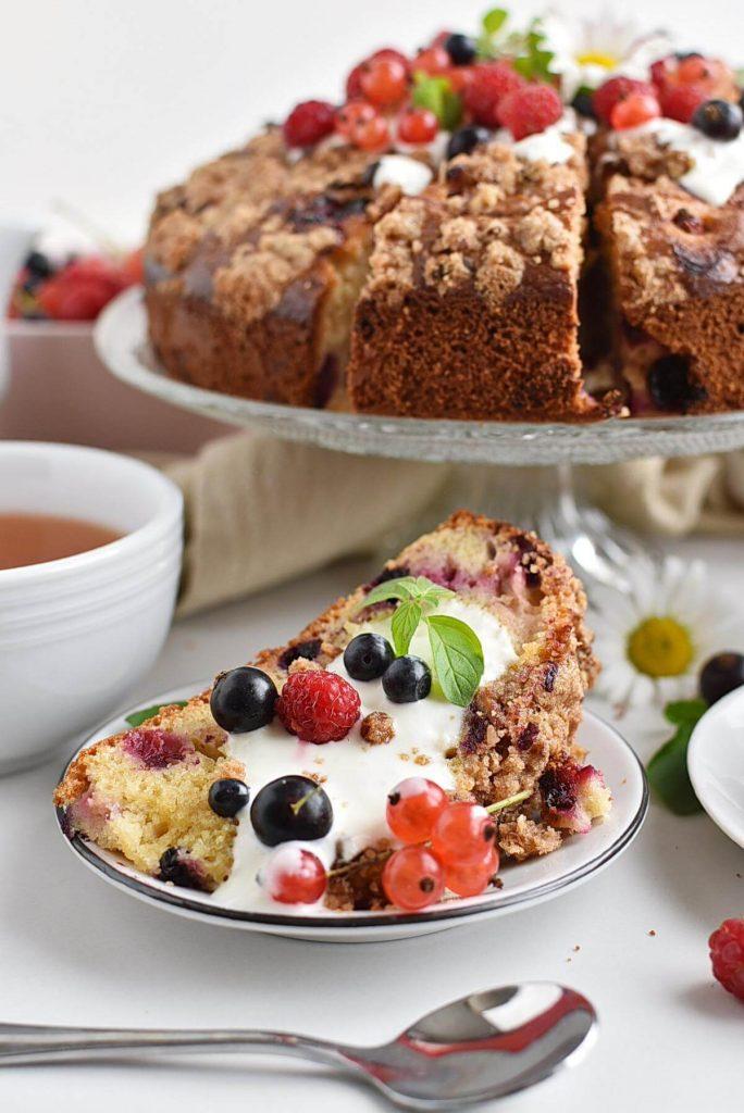 GF Greek Yoghurt Berry Breakfast Cake
