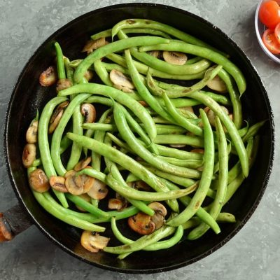 Haricots Verts with Cherry Tomatoes & Mushrooms recipe - step 2