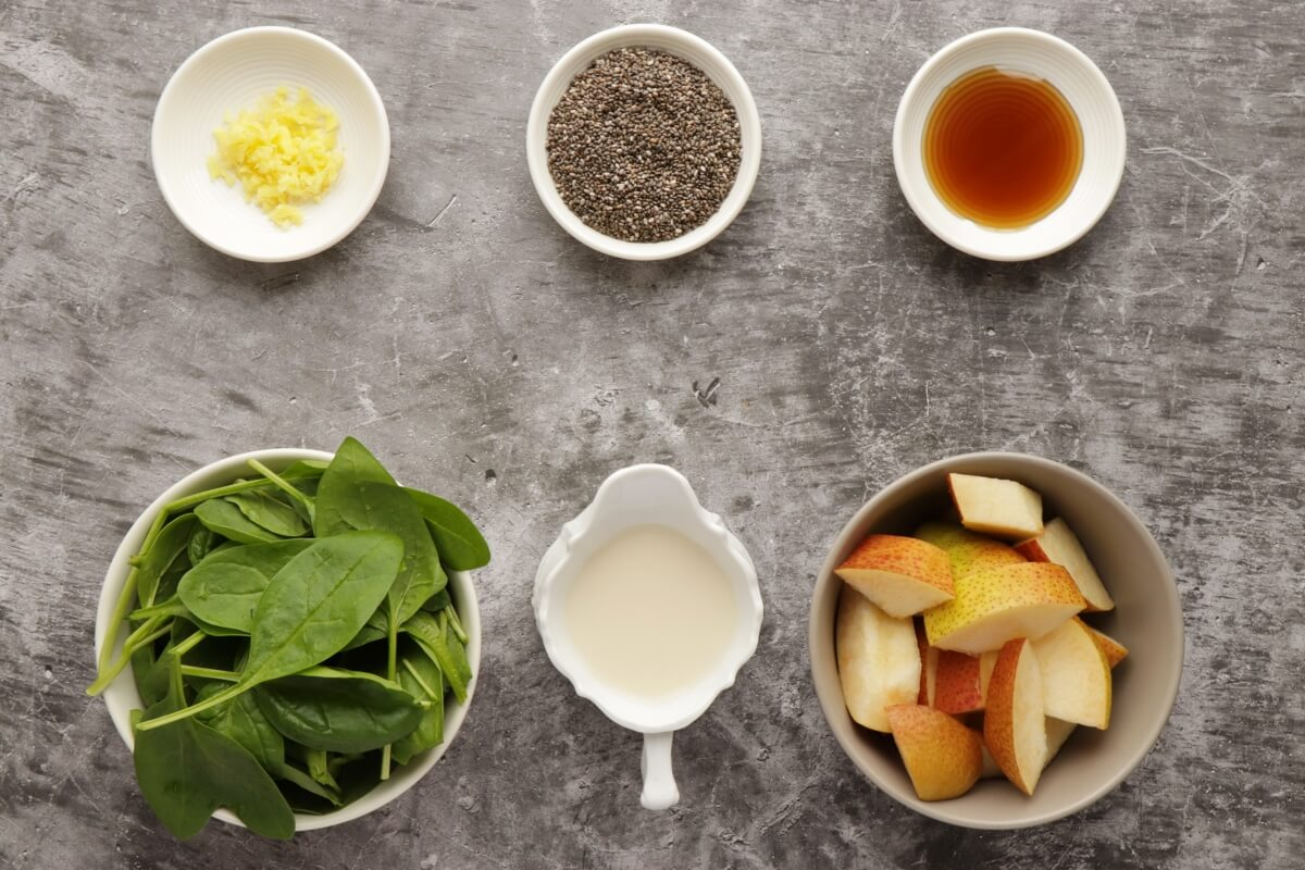 Ingridiens for Healthy Pear Ginger Chia Smoothie