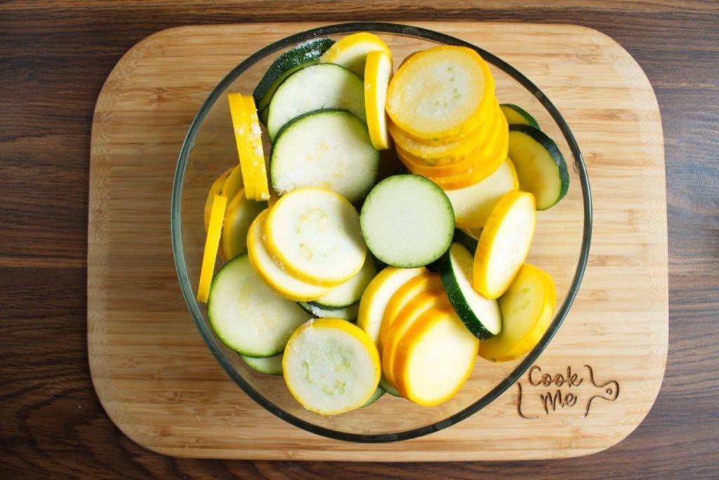 Healthy Zucchini & Summer Squash Casserole recipe - step 2