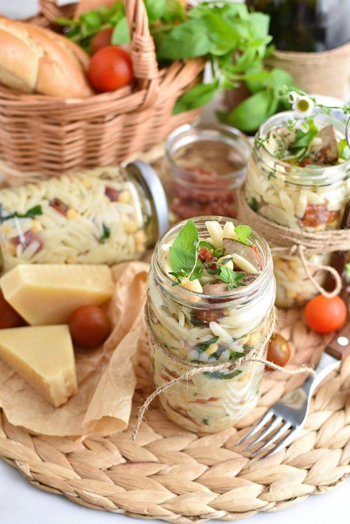Italian Orzo Jar Salad