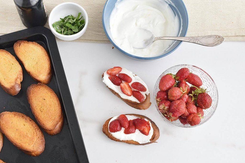 Strawberry Balsamic Bruschetta recipe - step 5