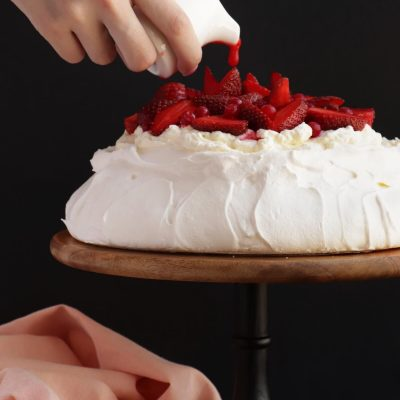 Strawberry Pavlova Recipe- Best Berry Pavlova-Easy Pavlova