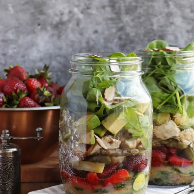 Strawberry Spinach Jar Salad Recipe-Healthy Strawberry Spinach Mason Jar Salad-Salad in a Jar