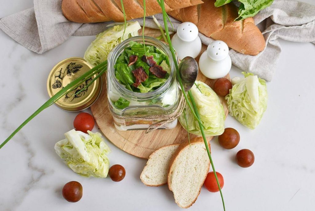 How to serve Wedge Salad in a Jar
