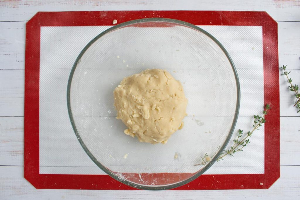Zucchini and Goat Cheese Galettes recipe - step 3