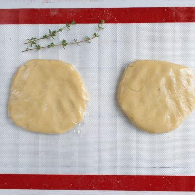 Zucchini and Goat Cheese Galettes recipe - step 4
