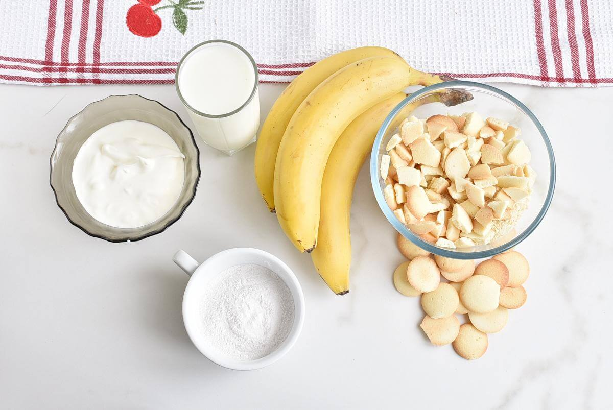 Ingridiens for Banana Cream Pie in a Jar