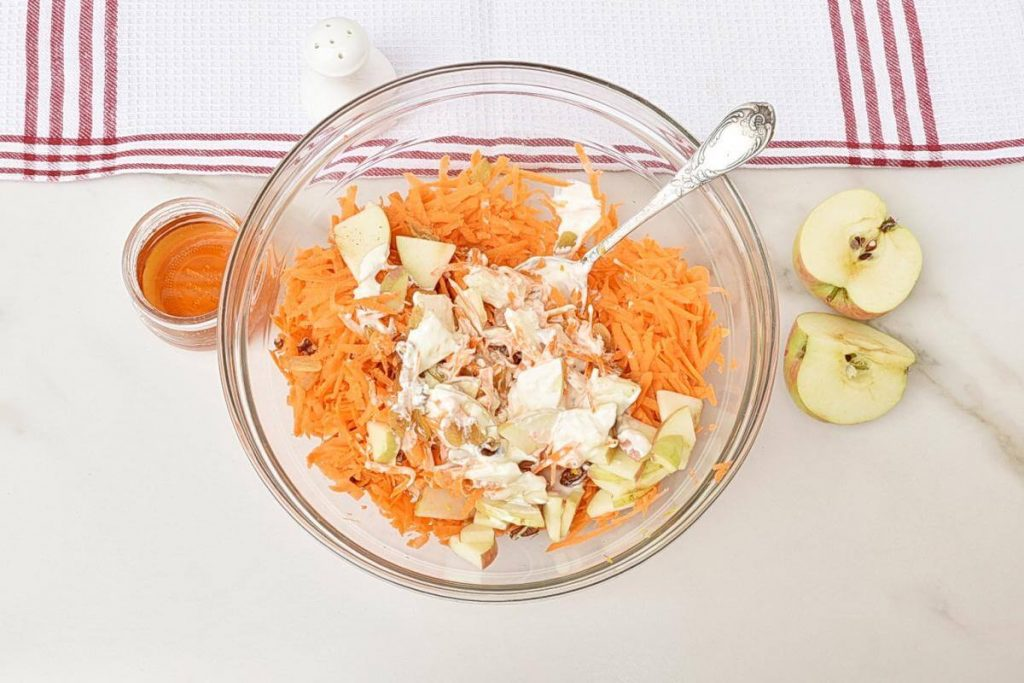 Carrot Apple Raisin Salad recipe - step 3