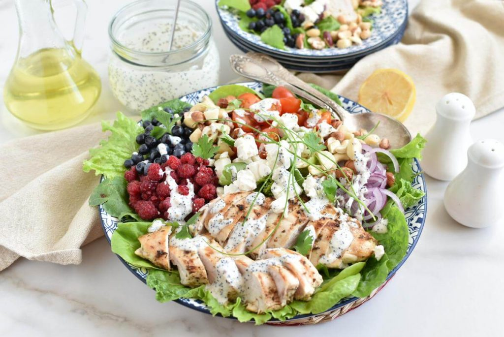 How to serve Grilled Chicken Salad with Raspberry