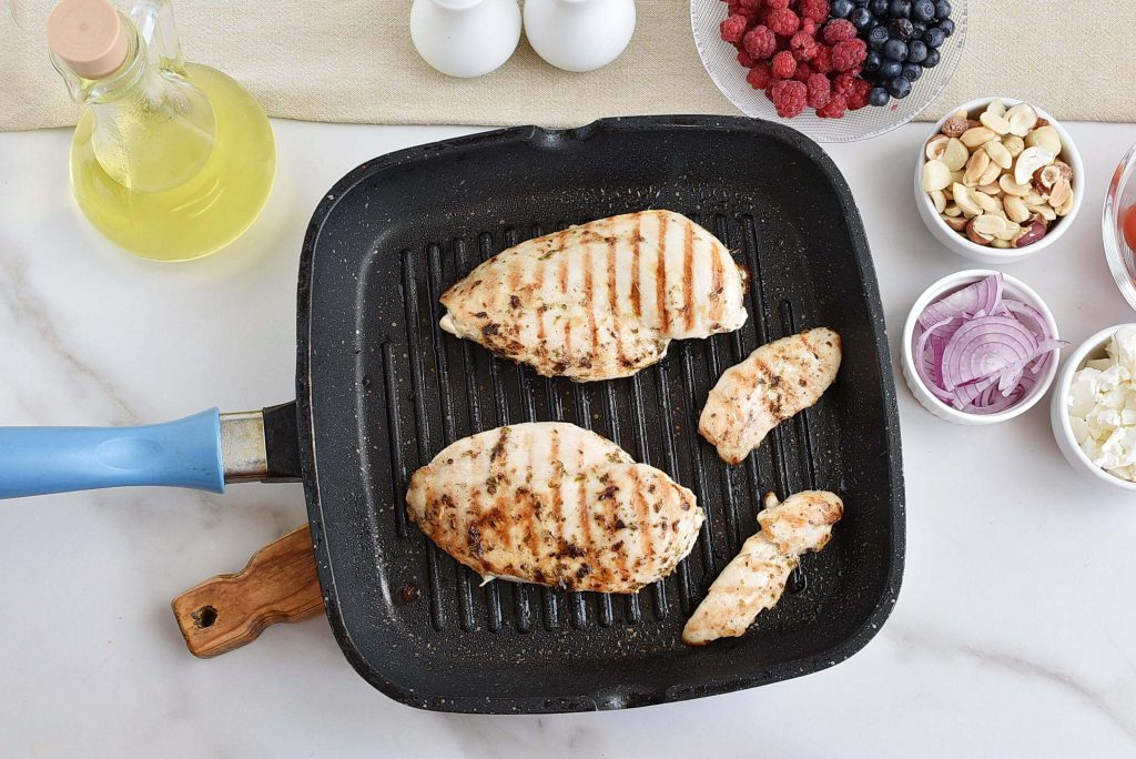 Grilled Chicken Salad with Raspberry recipe - step 3