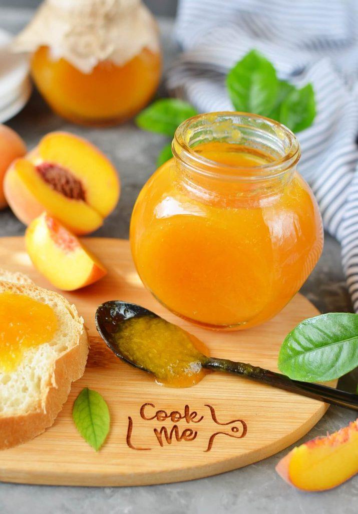 Sweet fruit spread