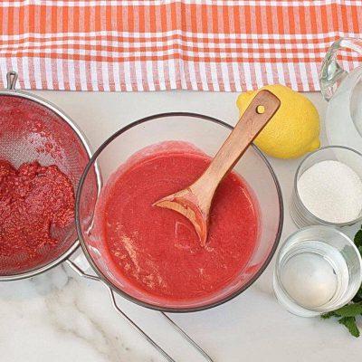 Homemade Raspberry Peach Lemonade recipe - step 2