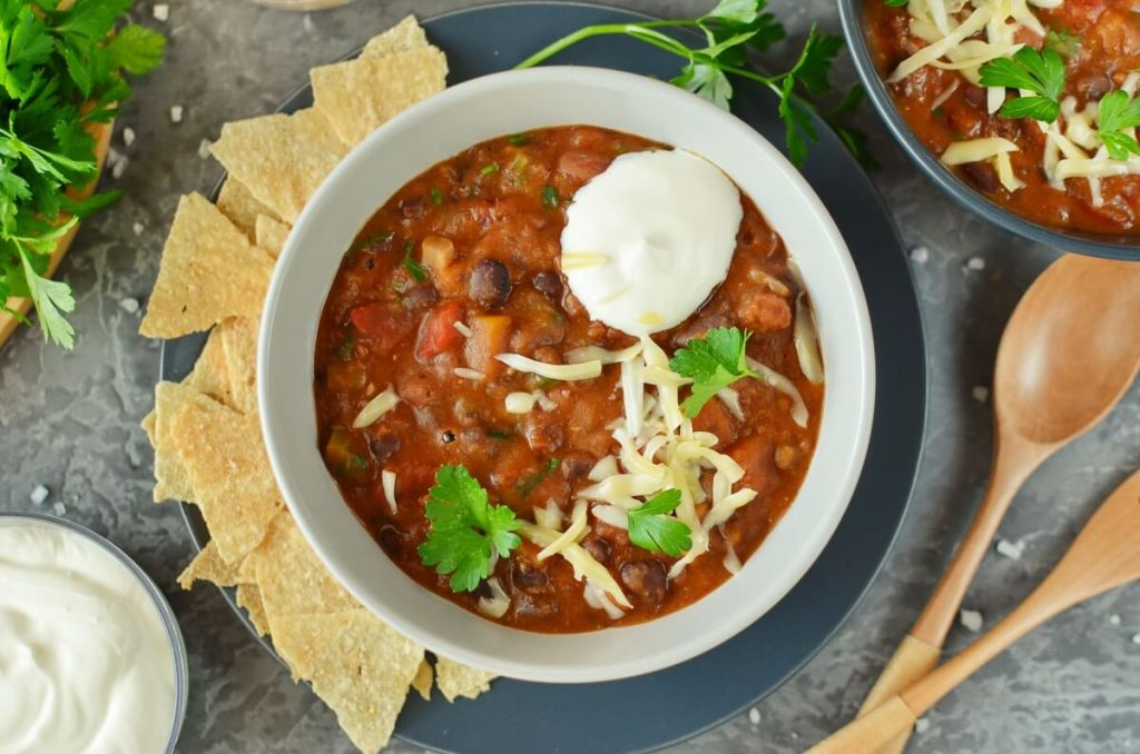 How to serve Homemade Vegetarian Chili