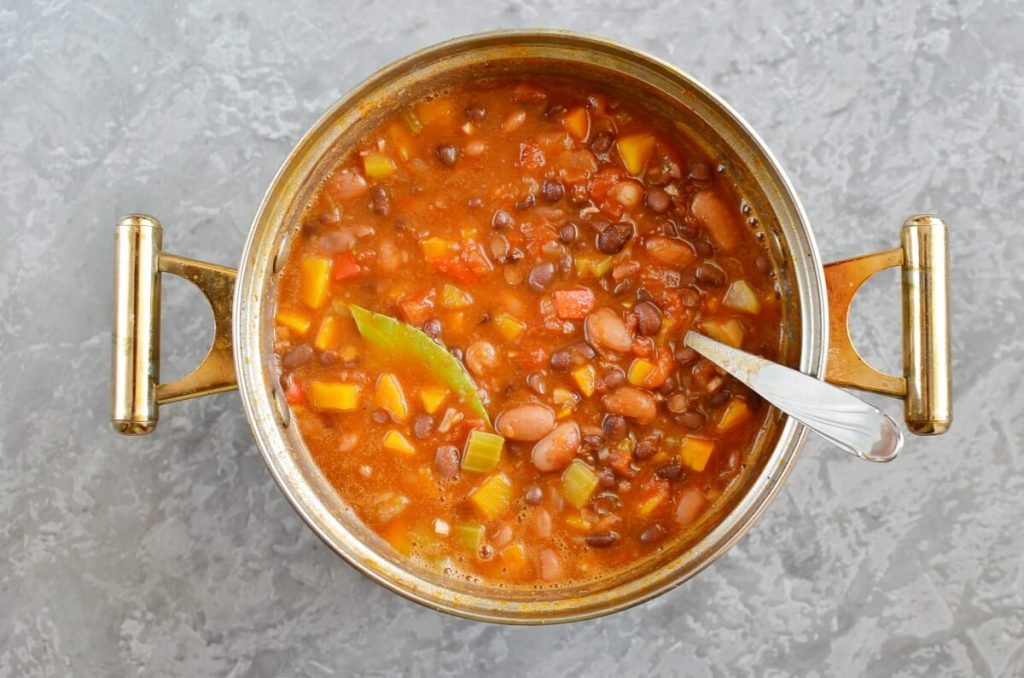 Homemade Vegetarian Chili recipe - step 4