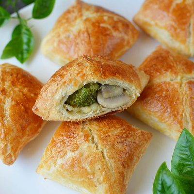 MUSHROOM, BROCCOLI & CHEDDAR BUNDLES Recipe-How To Make MUSHROOM, BROCCOLI & CHEDDAR BUNDLES-Delicious MUSHROOM, BROCCOLI & CHEDDAR BUNDLES