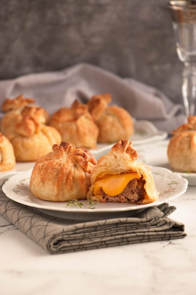 Cheeseburger and Puff Pastry for a Party