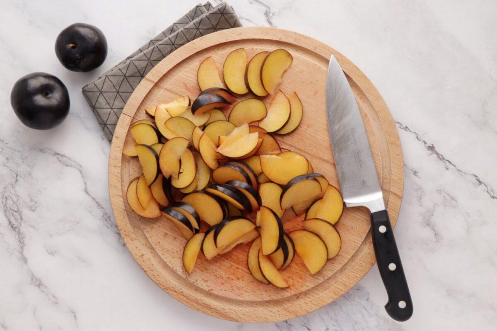 Mini Plum Tartlets recipe - step 3