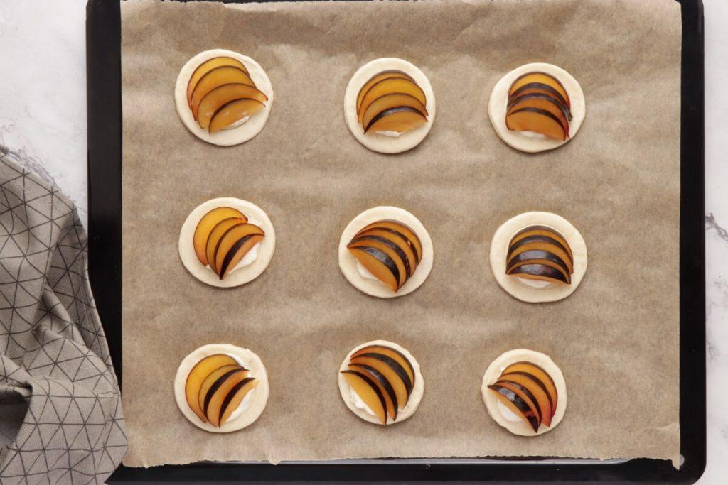 Mini Plum Tartlets recipe - step 5