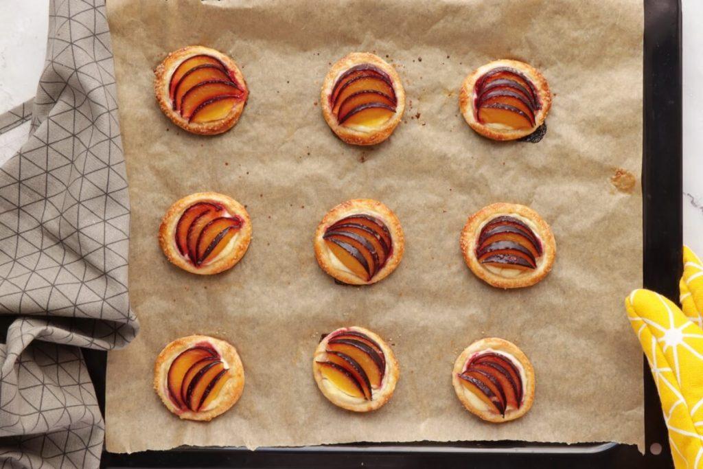 Mini Plum Tartlets recipe - step 7
