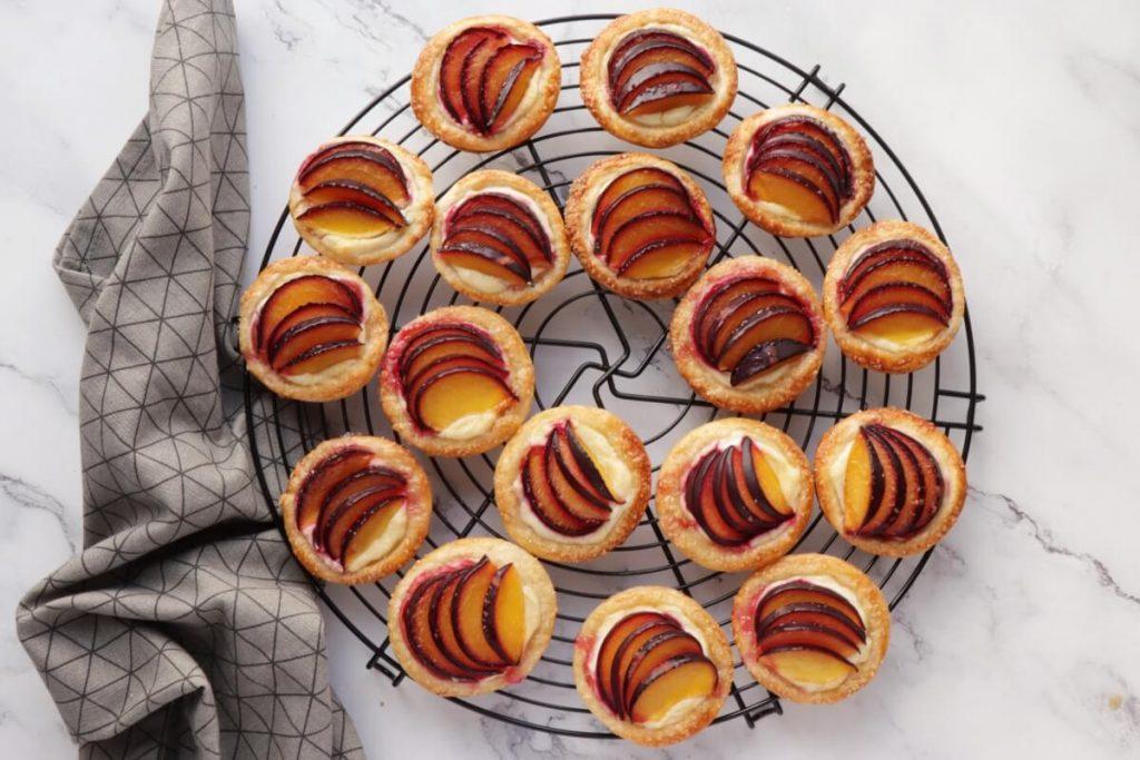 Mini Plum Tartlets recipe - step 8