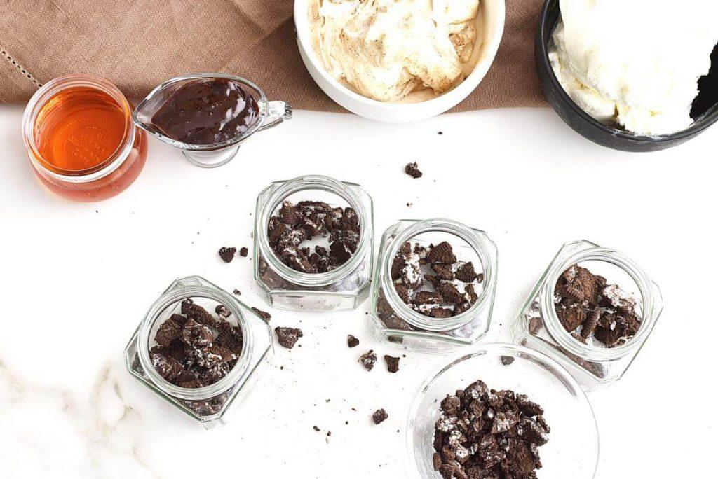 Mud Pie in a Jar recipe - step 1