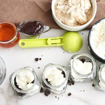 Mud Pie in a Jar recipe - step 2